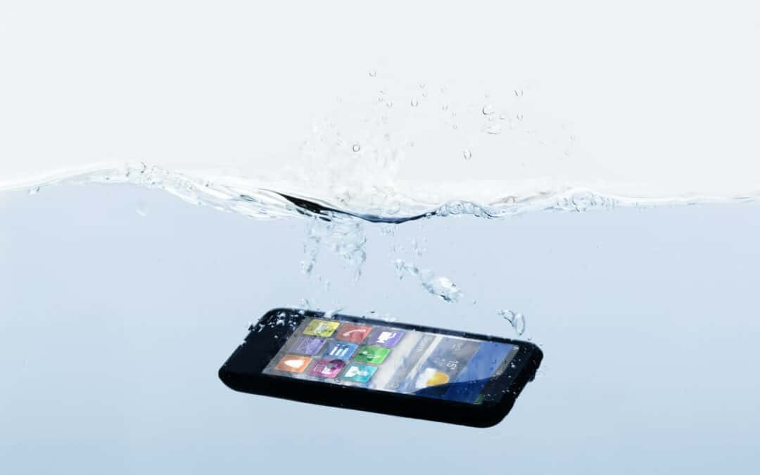 What to Do If You Drop Your Phone in Water